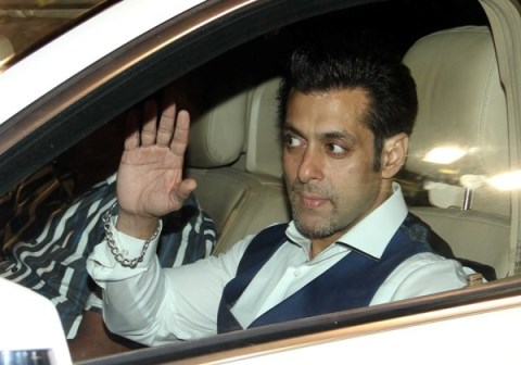 salman at 59th filmfare awards-showbizbites-01