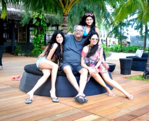 sri devi with daughters in bikini-showbizbites-02