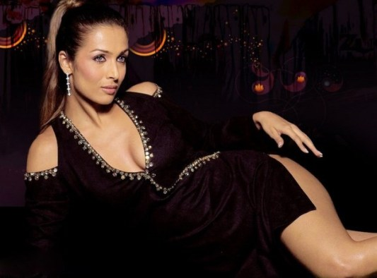 malaika arora-hot-showbizbites-04