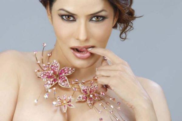 poonam jhawar-hottest pics-showbizbites-05