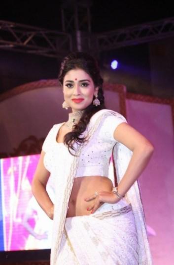 shreya at GR8 Women Awards-showbizbites-02