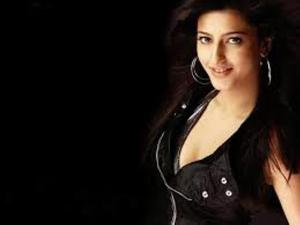Shruti Haasan Hotttest Photos – Simply Breath-Taking and Sizzling