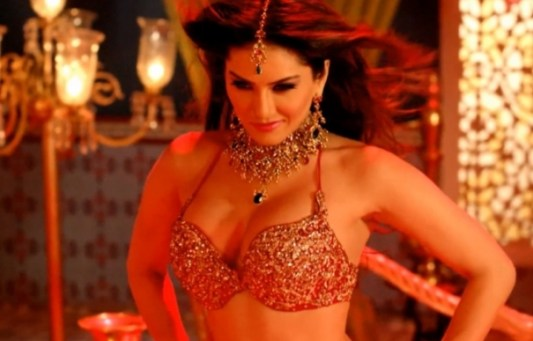 sunny leone-sexy and hot-showbizbites-12