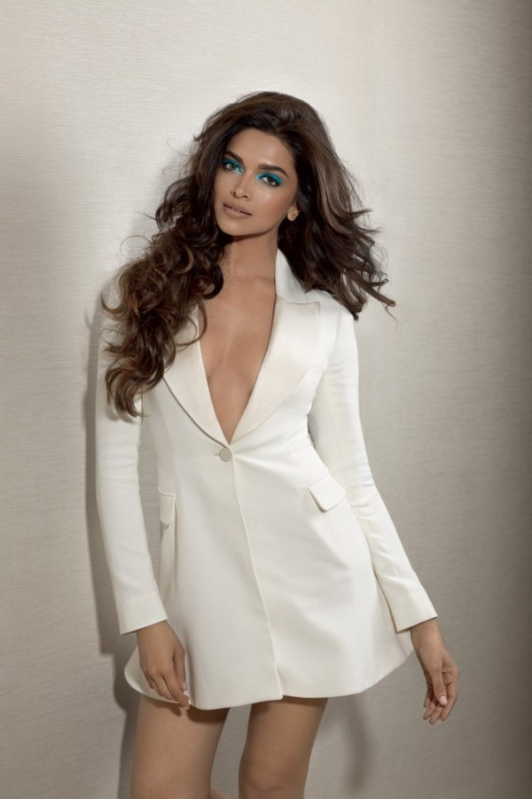 deepika hot pictures-showbizbites-02