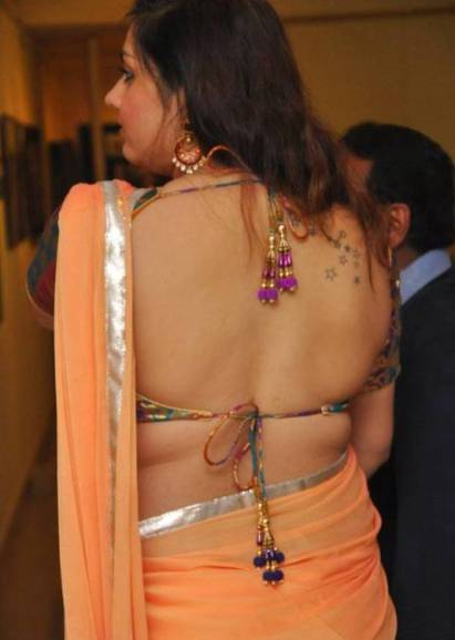 namitha hot back-showbizbites-02