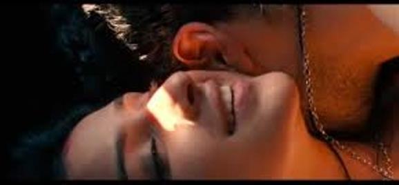 parineeti chopra-hot-showbizbites-06