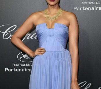 sonam kapoor at Cannes-showbizbites-01