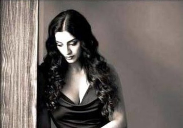 tabu cleavage-showbizbites-04