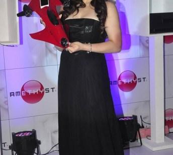 zarine khan at the launch-showbizbites-02