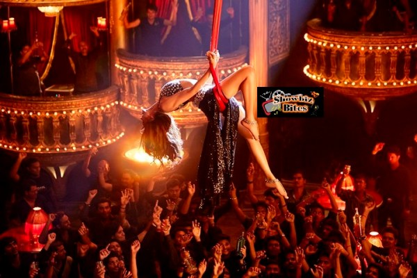 Deepika Padukone in Lovely 002