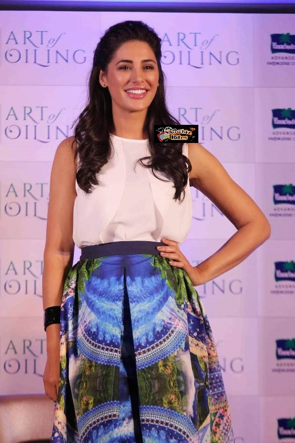 Nargis at Prarachute Event-showbizbites-01