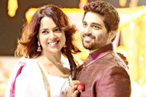 Sameera Reddy is Pregnant, Baby is Due in May