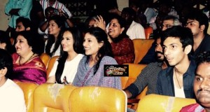 Rajinikanth's Family Watches Lingaa among Fans in Theater