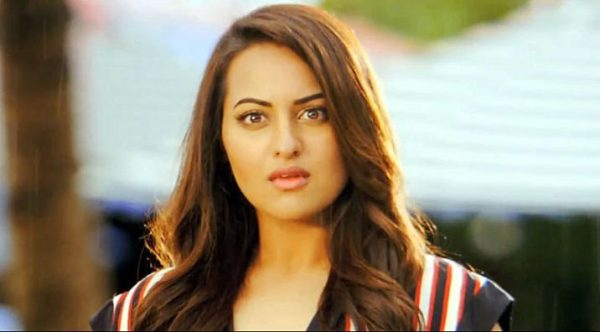 sonakshi-action-showbizbites