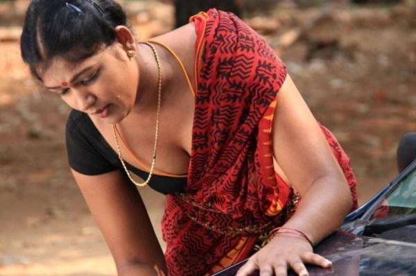 sowdharya-hot-showbizbites
