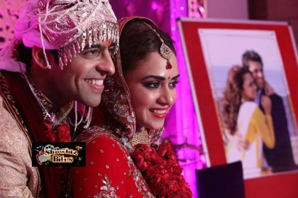 Amruta Khanvilkar and Himmanshoo Ashok Malhotra-Feat