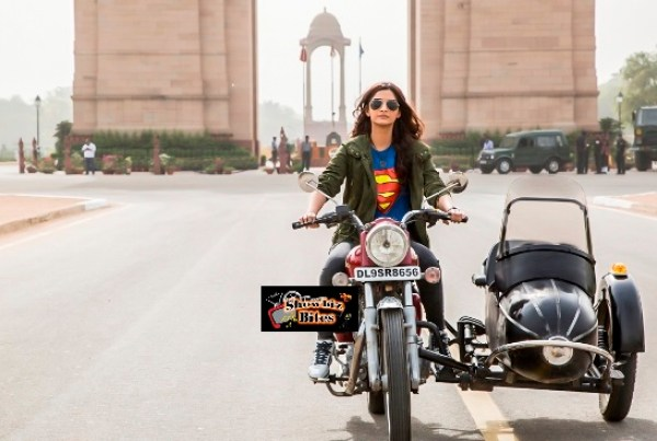 Sonam Kapoor riding a bike in Dolly Ki Doli-01