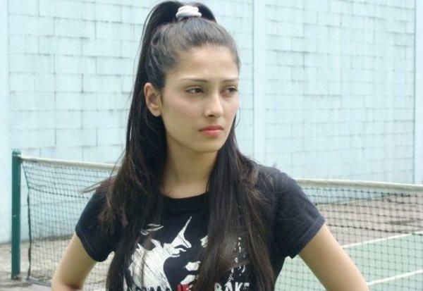 Ayeza Khan-03