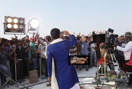 Kapil Sharma on sets of Kis Kisko Pyaar Karoon (1)