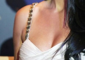 Recognize This Bollywood's Hottest Actress?