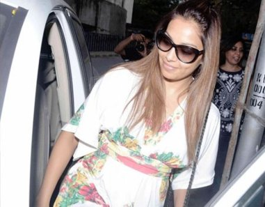 Bipasha Basu at Myra-03
