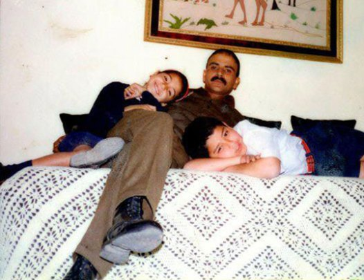Anushka Sharma Childhood Pictures-03