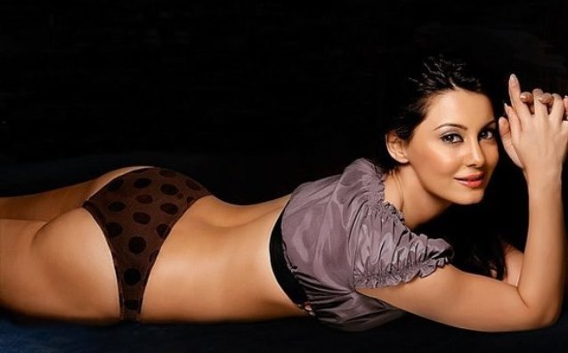 Minissha lamba breast naked