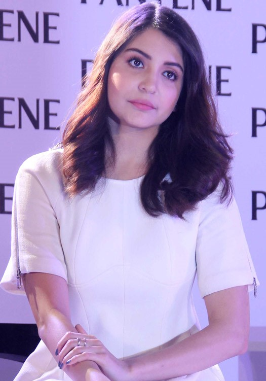 anushka sharma at pantene product launch-02