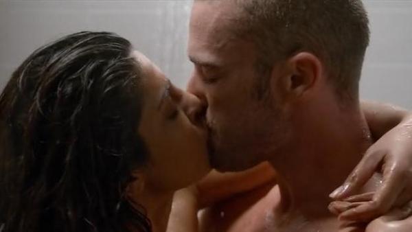 priyanka chopra hot scenes in Quantico-01