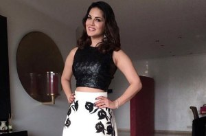 You'll Surely Want to Wear This Sunny Leone Look