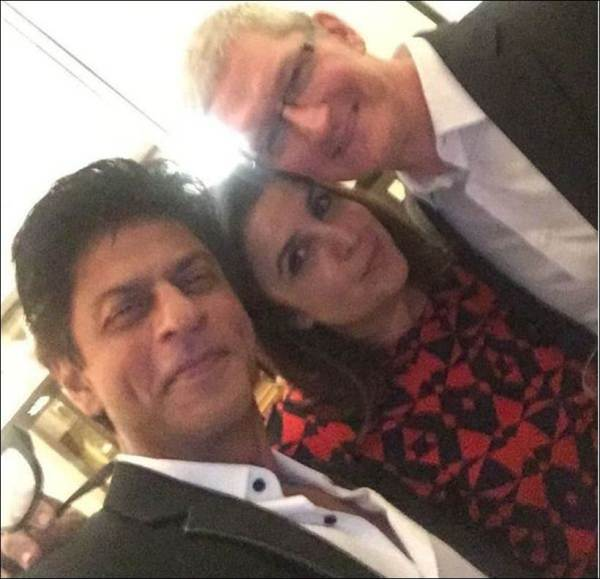 shah rukh khan's party for tim cook-02
