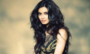 Diana Penty Finalized to Play Farhan Akhtar's Love in Lucknow Central