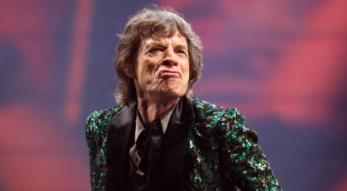Feliz Cumpleaños Mick Jagger! Here Are The 5 Best Rock En Español Songs to celebrate!