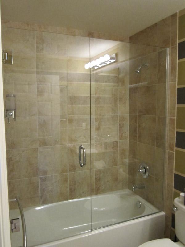 Tub Shower Doors In Estero Fl