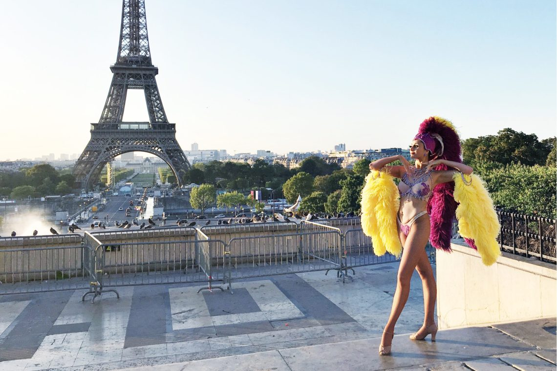 Showgirl's Life | Where Vintage Vegas Glamour meets Immersive Celebrations | Showgirl in Paris
