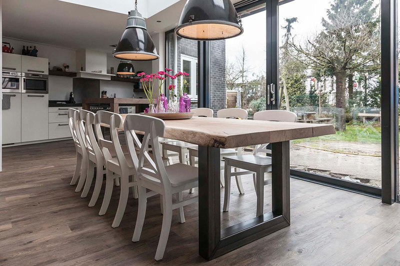 Stoere houten tafels  Inspiraties  ShowHomenl
