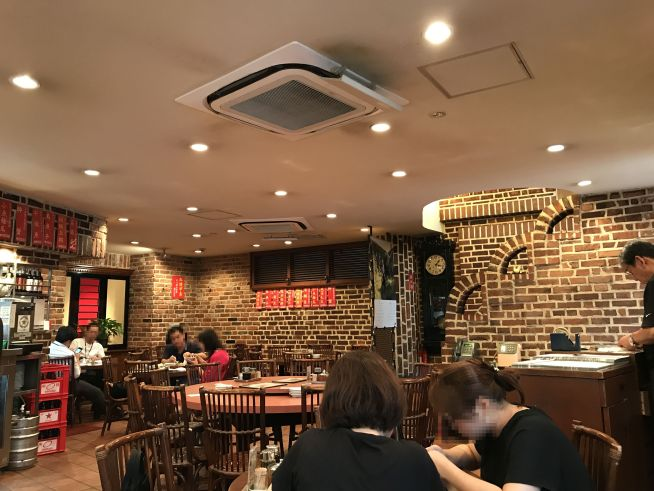 渋谷「麗郷」の内観