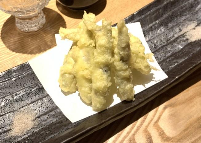 渋谷(神泉)にある「二代目 葵」の稚鮎の天ぷら