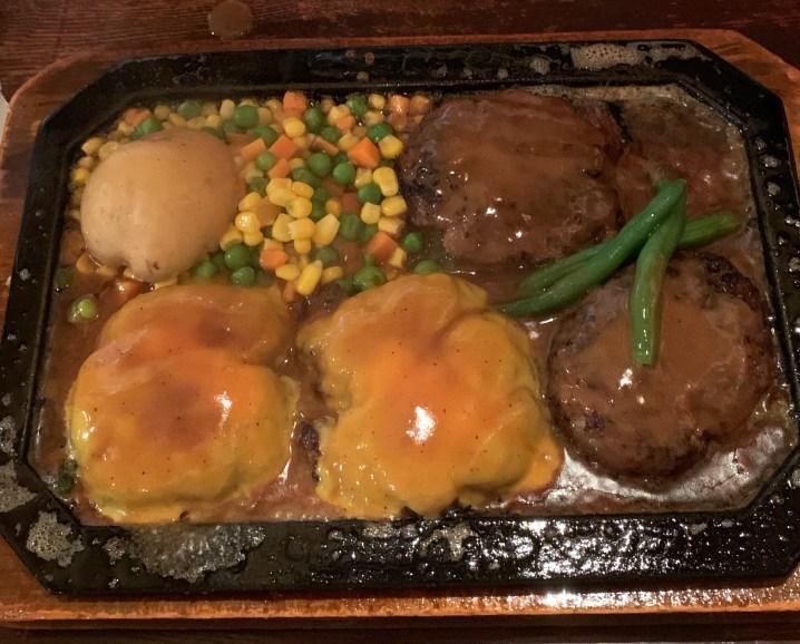渋谷の桜丘町にあるゴールドラッシュの金曜日ランチの1ポンドハンバーグ