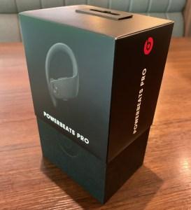 PowerbeatsProの箱4