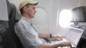 Saiba como acessar a internet durante vôos 9
