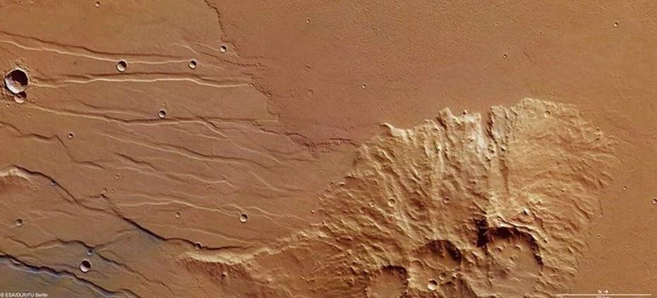 ESA registra fluxo de lava antiga em Marte 6
