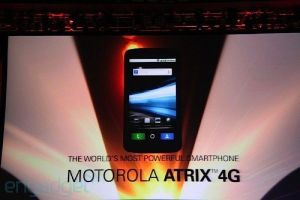 attatrix08 motorola atrix - Novidades da CES: smartphone Motorola Atrix tem duas cores e HD Dock para laptop (Android)