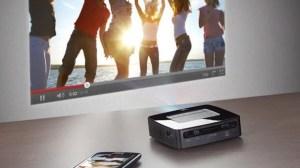 Philips apresenta projetor PicoPix com 120 polegadas, conexão WiFi e Android 16