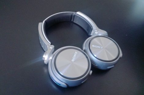 2013 08 16 14.05.34 - Review - Headphone Sony MDR-XB920