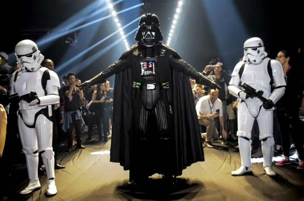 238905 452924 starwars  15  - Darth Vader invade a passarela da Triton durante SPFW