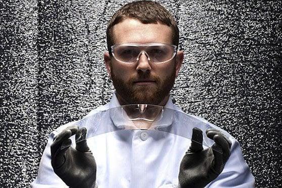 Gorilla_Glass_Engineer-Gorilla Glass 4