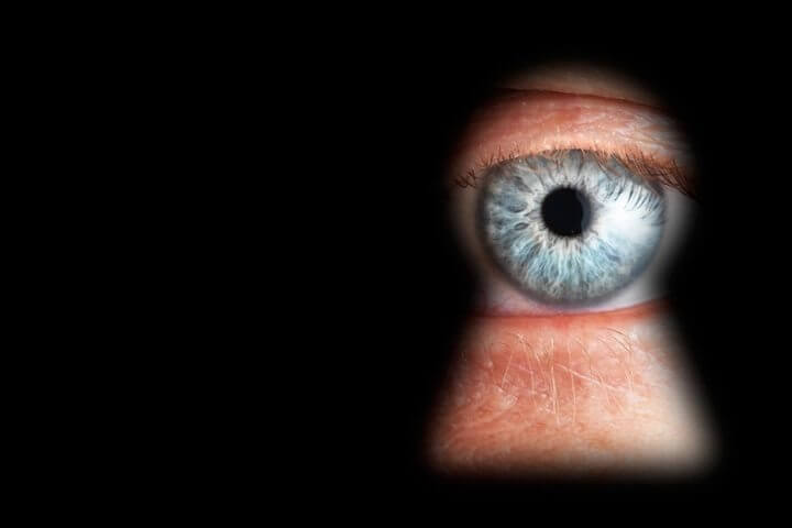 Sem privacidade! Snowden afirma que EUA pode espionar até mesmo fotos íntimas 4