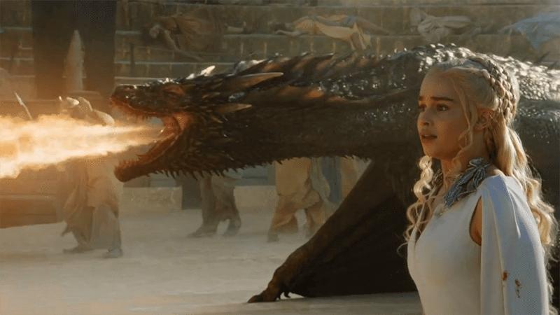 Drogon voltou para a mamãe Dany