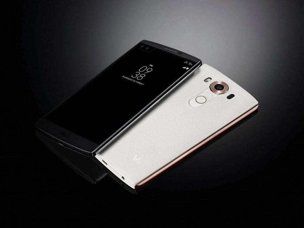lg v10 press shots 3 - LG anuncia V10, smartphone com 2 telas e 3 câmeras